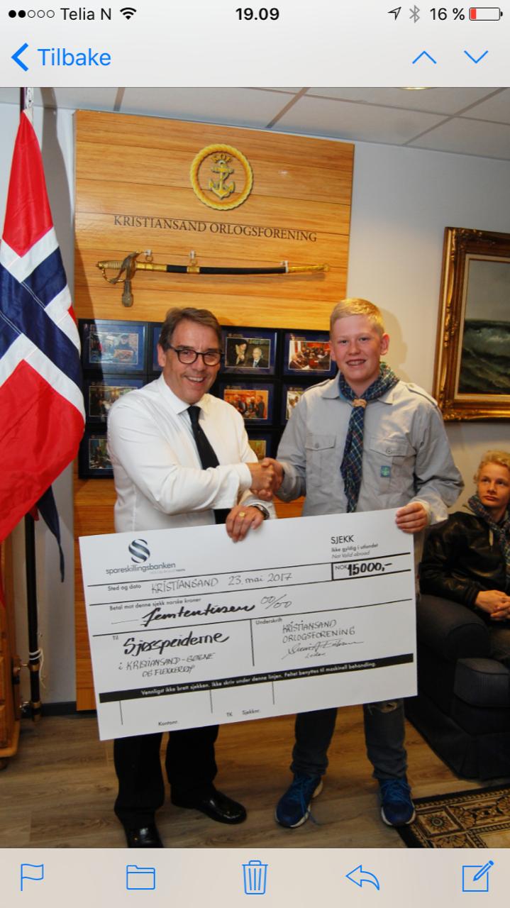 Sjøspeiderne får gavesjekk til tur til landsleir